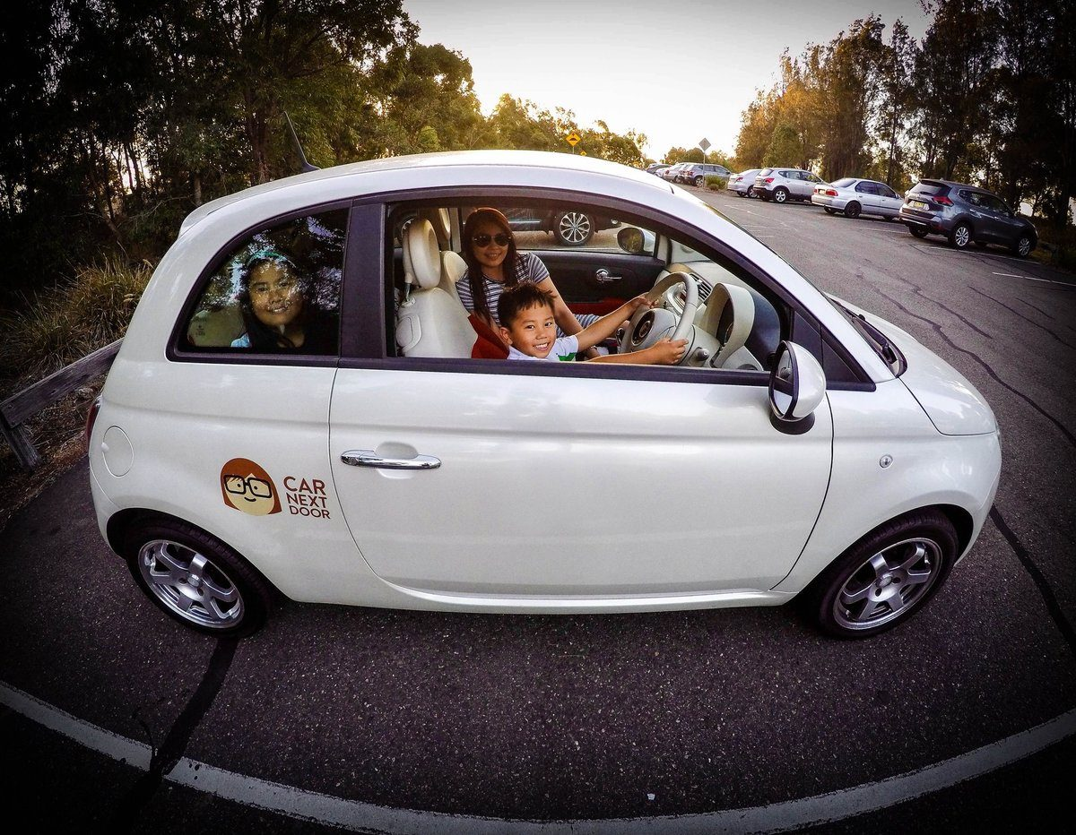 Photo-comp---family-in-white-car