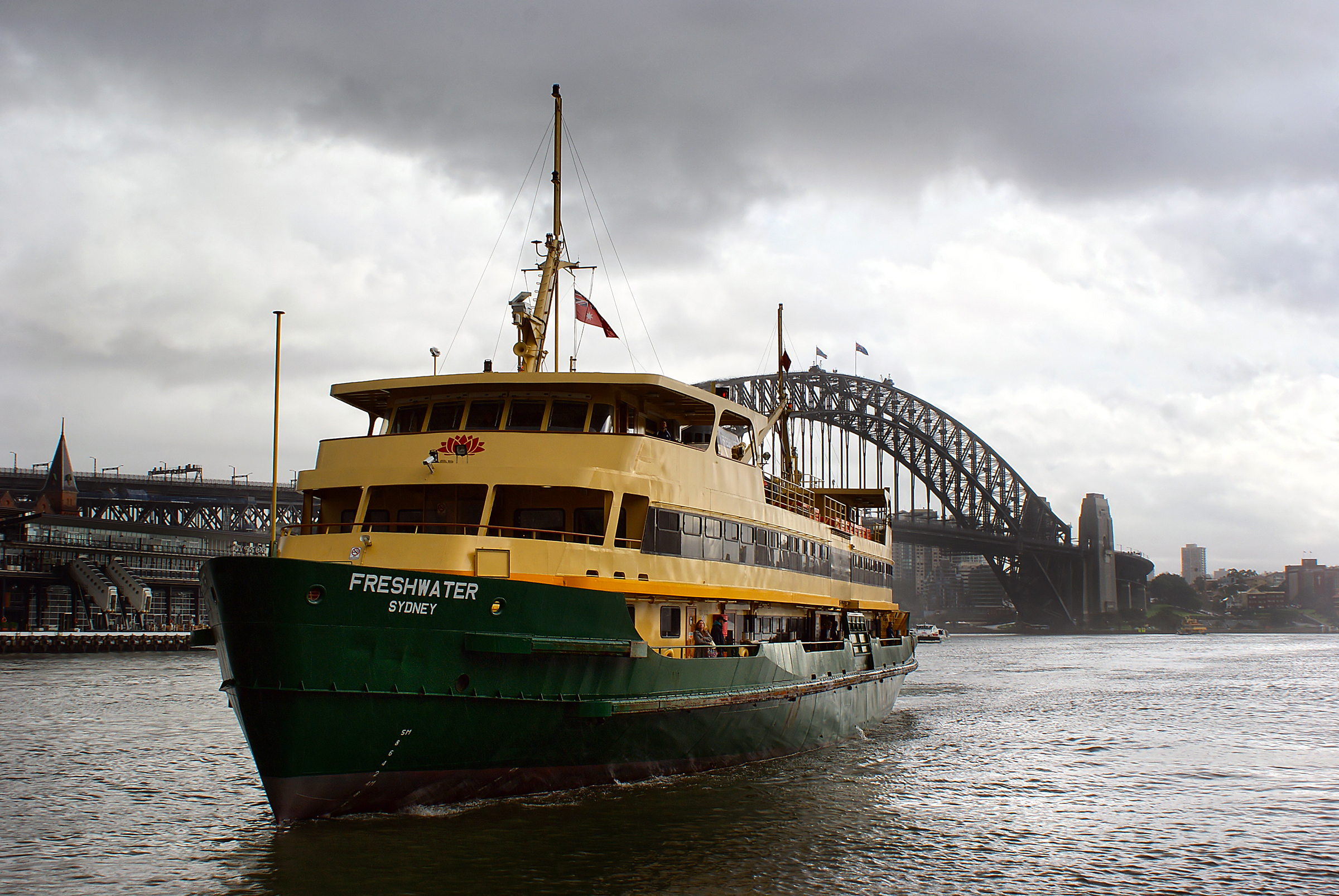 sea-boat-river-ship-transport-vehicle-sydney-harbor-cargo-ship-waterway-ferry-channel-tugboat-sydneyharbourbridge-watercraft-steamboat-fishing-vessel-passenger-ship-freight-transport-ocean-liner-passangerservices-506214